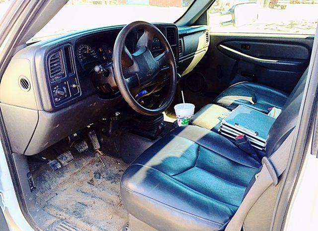 2005 Chevy 3500 4×4 full