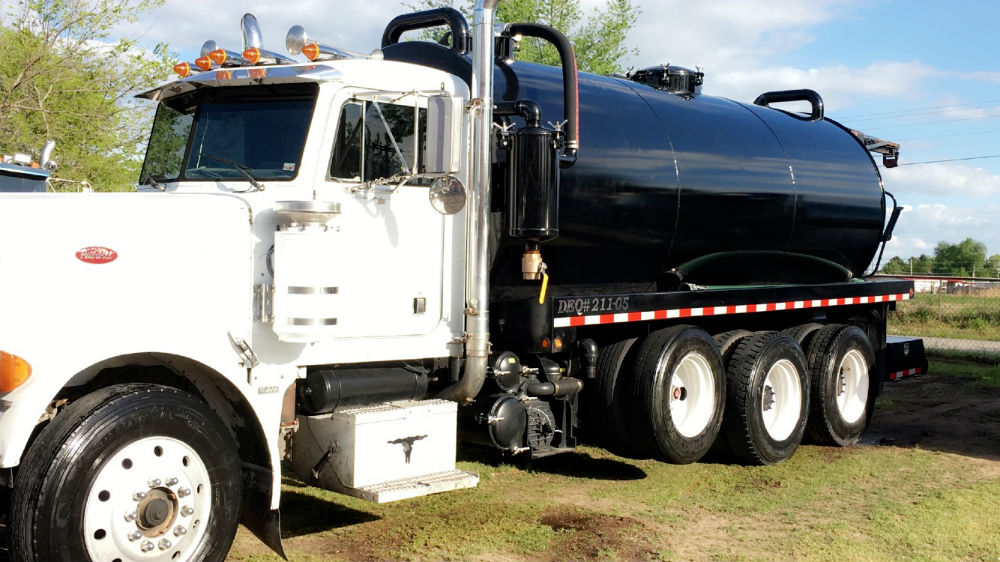 1989 Peterbilt 4000 gallon – New & Used Septic Trucks for sale