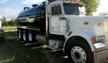 1989 Peterbilt 4000 gallon full